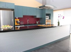Streamlined kitchen with zincalume backed bench