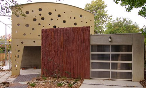 2 - Strine environments - Strine Design - Ric Butt - Caladenia Street House - Garage moon house canerra times