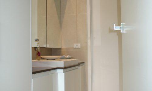 38 - Yarralumla Bay House - Sustainable house - Strine Design - bathroom