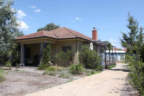 01 - Strine Environments - Strine Design - Ric Butt - Green homes - Sustainable home - canberra heritage house - dual occupancy - tight block